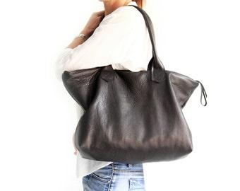 Leather shoulder bag / SHOULDER BAG made of italian leather. Mia leather shoulder bag
