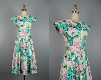 Vintage 1980s Cotton Rose Print Dress 80s does 50s Cabbage Rose Print Dress with Open Back Size 8M