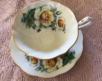 Vintage cup n saucer - queen anne teacup n saucer - bone china cup n saucer - collectors cup n saucer - gift cup n saucer -