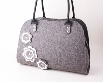 Shoulder bag Women handbag Felt handbag Tote Bag Felt tote Grey felt bag Grey White flower bag Bag with flowers Grey felt hobo