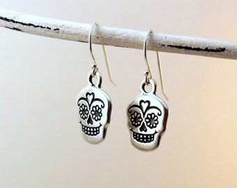 Sugar Skull earrings / Silver skull earrings / Dia de los Muertos earrings / Day of the Dead earrings / Halloween earrings