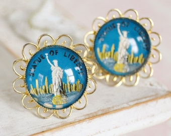 Vintage Cuff Links with Reverse Painting of the Statue of Liberty and Glass Cabochon