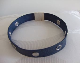 Studs and rivets leather Choker necklace