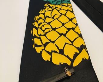 Pineapple Necktie with Tie Clip