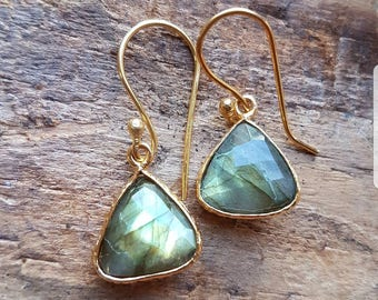 Gold triangle earrings with rope gold plated with 24kt.