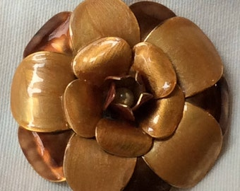 Vintage metal gold and bronze enamel Flower brooch