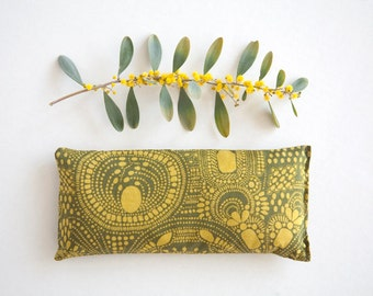 Organic Eye pillow - Organic lavender and flax seeds eye pillow - Mustard Green Organic - Aromatherapy  - Relaxation - Gift idea - Yoga prop
