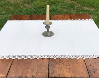 Vintage Linens * Vintage Doilies * White * Table Runners * Dresser Scarf * Crocheted Edge * Farmhouse Decor