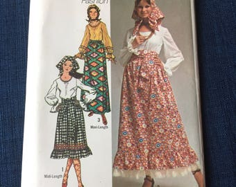 Vintage Sewing Pattern Uncut 70s, size 14, 1970s Simplicity 9112 BoHo Hippie Maxi or Midi Skirt w Ruffle Peasant Blouse Scarf n Sash