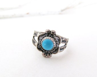 Turquoise Sterling Silver Ring, Vintage Southwestern Jewelry, Tiny Ring Size 4, Small Size Pinky Ring, Midi Ring, Small Turquoise Ring