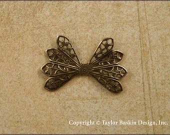 Dapped Filigree Bow Charm in Antique Polished Brass (item 208 AG) - 6 Pieces
