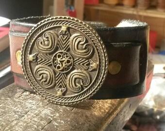 Bronze cuff rivet