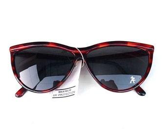 NOS 1990s retro vintage large round cat eyes sunglasses womens sunglasses tortoise cats eyes sunglasses Hi Tek Junior