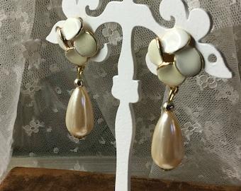 Divine White Enamel Blush Faux Pearl Teardrop Dangling Earrings Pierced Unsigned 1980's 1990's Flower Floral Theme Feminine Evening Wear
