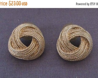 20%OFF Pair of Rope Design Earrings