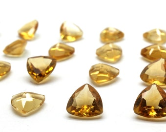 Citrine gemstone,trillion gemstone,triangle gemstone,loose stones,semiprecious stones,quartz wholesale,bulk gems - AA Quality - 1 Pc