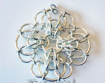 Celtic Chrysanthemum Chainmaille Pendant Tutorial