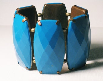 Vintage Wide Turquoise Thermoset and Brass Stretch Bracelet (BR-2-3)