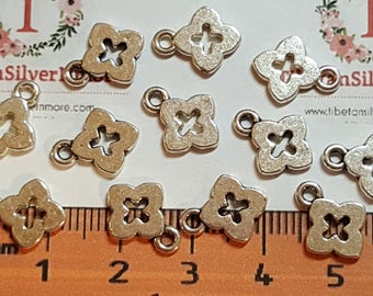 40 pcs per pack 13x10mm Plain 4 clover Coin Tag Charms Antique Silver Finish Lead Free Pewter