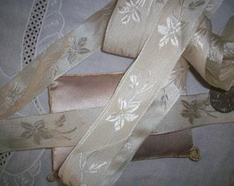 1 yd. Stunning vanilla cream silk antique ribbon in a floral pattern