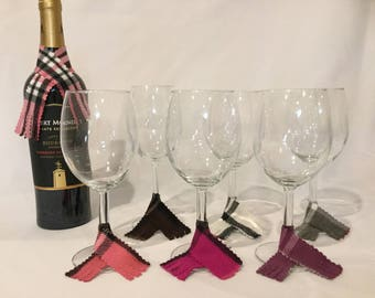Scarf Wine Charms (set of 6) & Bottle Scarf (Pink)