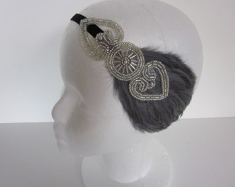 Gatsby headpiece, silver headband, 1920s headband, Art Deco fascinator, Flapper Headpiece, 1920s Headband, elastic stretch  gray feather
