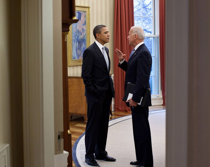 President Barack Obama Speaks with Vice President Joe Biden in the Oval Office - 5X7, 8X10 or 11X14 Photo (ZY-566)