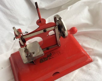 KayanEE Sew Master Childs Sewing Machine Made in Germany