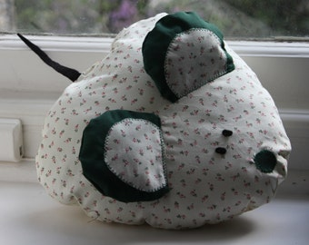 Little Flowers Mouse Cushion