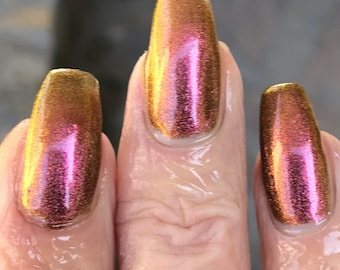 Hidden multichrome nail polish