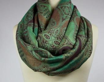 Green Infinity scarf, green scarf