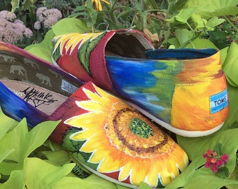 TOMS Wedding Shoes, Toms Shoes Women, Sunflowers, Tie Dye Style, Hippie Earth Loving Flats for Bridal Party. Autumn Harvest, Gardeners Gifts