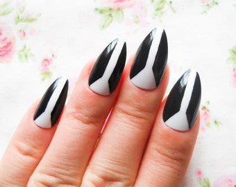 Abstract Nails / Fake Nails / Stiletto Nails / Press on Nails / False Nails / Acrylic Nails