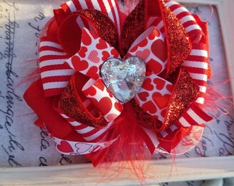 Hearty valentine hairbow