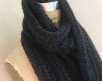 TEXTURED SOFT WOOL Vintage Hand Knit Fringe Scarf