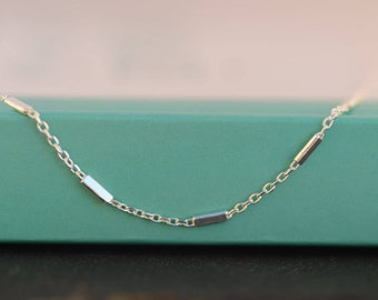 Dainty Satellite chain necklace. Sterling Silver chain necklace. Elegant chain necklace. Layering necklace. Minimalist jewelry