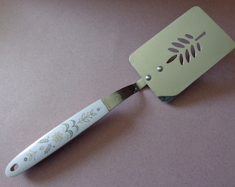 Flint Arrowhead Short Slotted Spatula Stainless Utensil Wheat design Handle USA