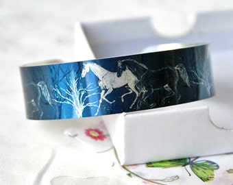 Horse jewellery cuff bracelet, equestrian metal bangle in slate blue, horse lover gift. Equine gifts. Secret message gifts for her. B383