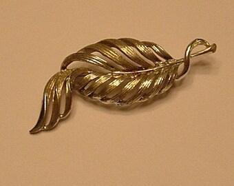 Vintage Leaf brooch in silver tone