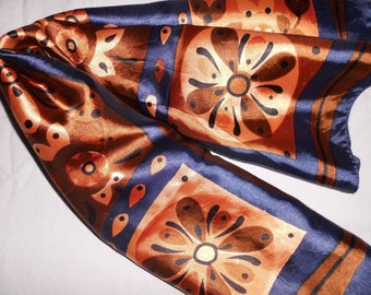 60 scarf-printed in shades of blue and brown