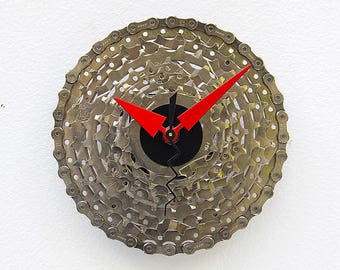 Bike Gear Clock, bike parts clock, cyclist gift, boyfriend gift, bicycle parts gift, unique repurposed bike clock, Recycled cycle gift