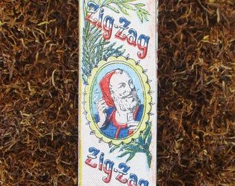 Vintage Zig Zag tobacco cigarette rolling paper packet