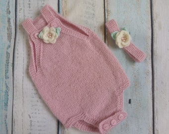 Newborn photoprop pink hand knitted set - body and flower headband