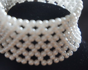 Vintage  Jewelry  Bracelet  Stretch White Pearls Wide Z-226