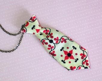 Unisex Mini Tie Cream Blossom Necklace Pin
