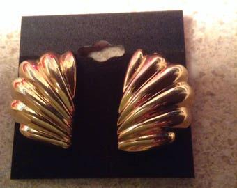 1980s gold tone pierced earrings
