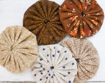 Quilting yo-yos, yo yo quilt, floral fabric, sewing yo-yos, brown fabric yo yos,  ready to ship, handmade, cotton fabric