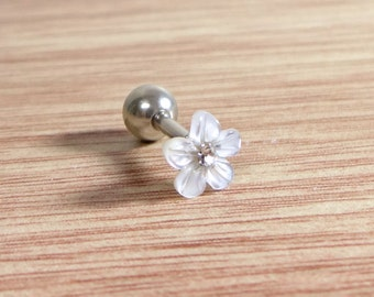 Flower Pearl Jewelry,Mother-Of-Pearl Piercing,Flower shell Tragus Earring,316L Surgical Steel,16G Cartilage,Helix,Auricle,Lobe,Ear Stud,NJ30