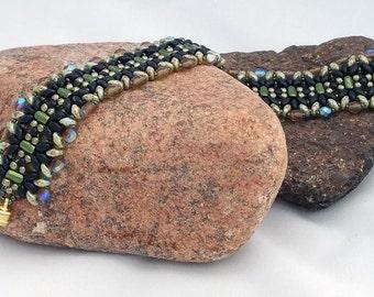 Gorgeous Beadwoven Bracelet - Greens and Black