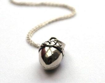 Sterling silver acorn necklace - Acorn pendant - Woodland necklace - Acorn charm necklace - Autumnal necklace
